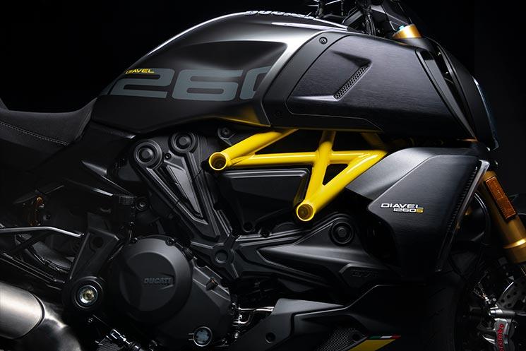 /DucatiDiavel2021