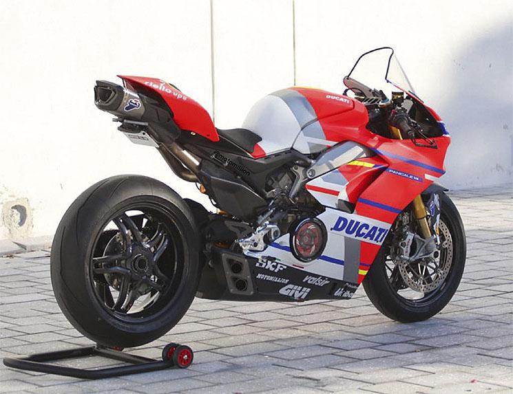 /DucatiPanigaleV4S-GP18.jpg