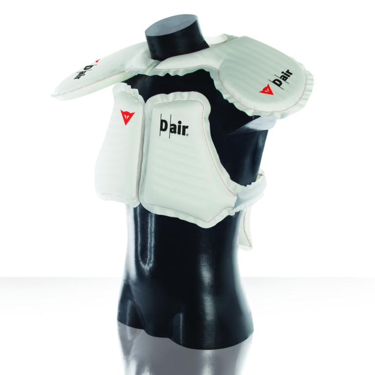 ba724bc67d0 Dainese presenta sus nuevas chaquetas con Airbag sin sensores en la moto